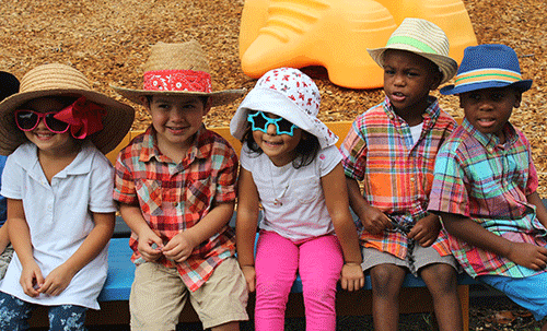 Children with hats and sunglasses
